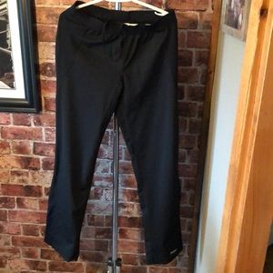 Running Room dryfit joggers with zipper at cuff